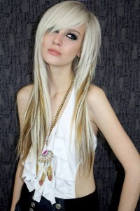 emo girl hairstyles for thin hair