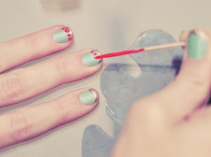 Nail_art_with_toothpick