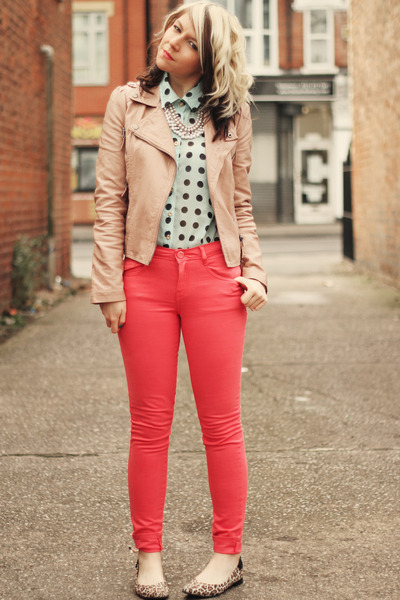 How to Wear Colored Jeans - Heey Fashion Style