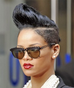 rihanna-curly-hairstyles1