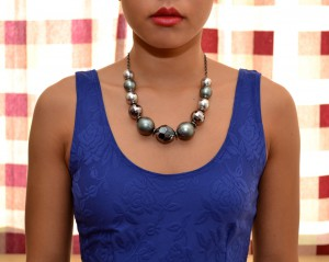 statement-necklace-scoop-neck